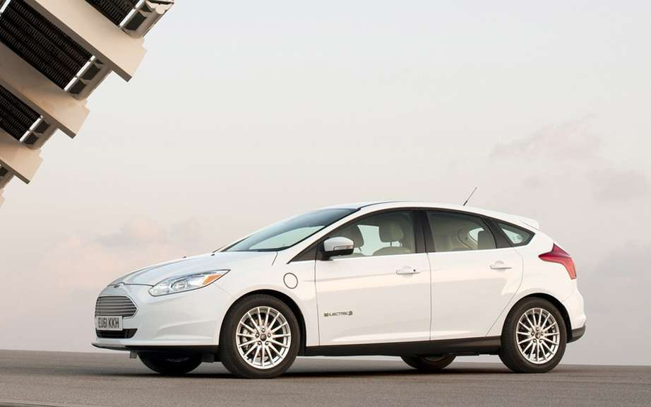 """Consumer Reports"" critical two electric cars picture #2"