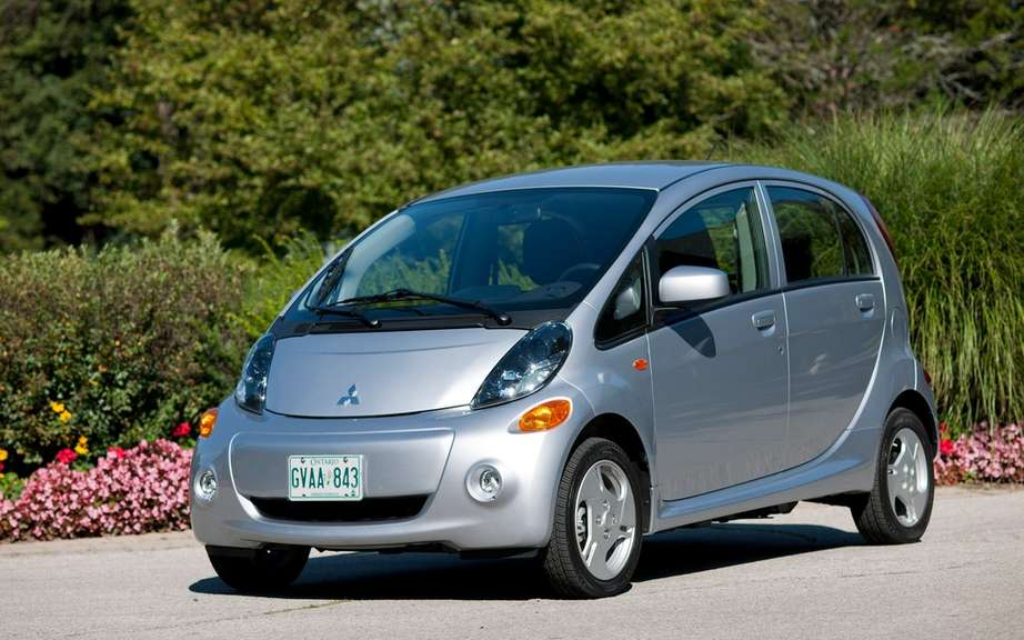 """Consumer Reports"" critical two electric cars picture #3"