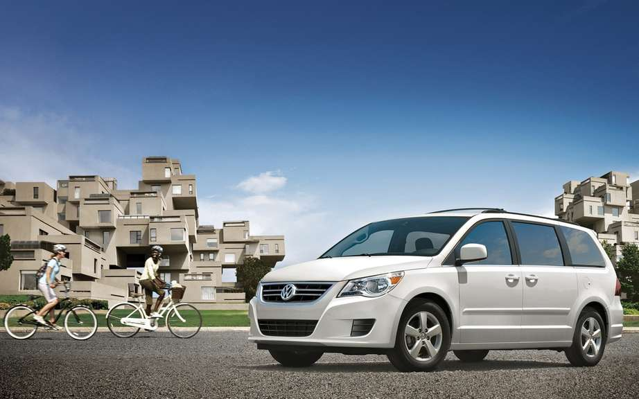 Volkswagen Routan might have to abandon its picture #2