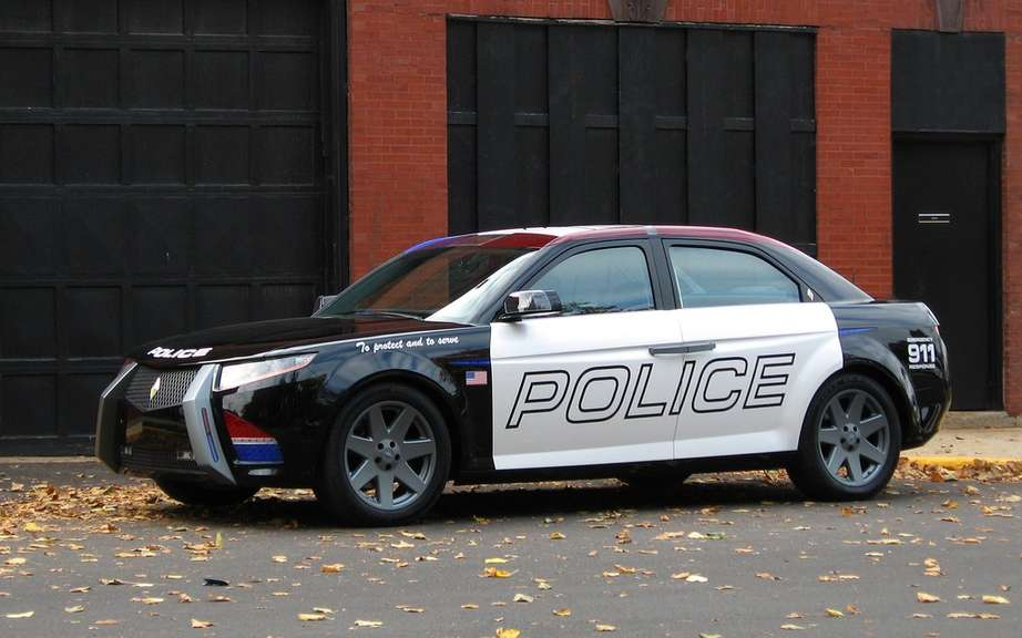 Carbon Motors presents its E7 police vehicles and TX7