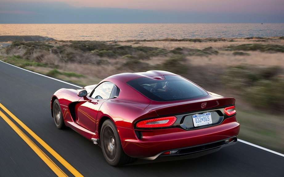 SRT Viper 2013: for thrill seekers picture #2