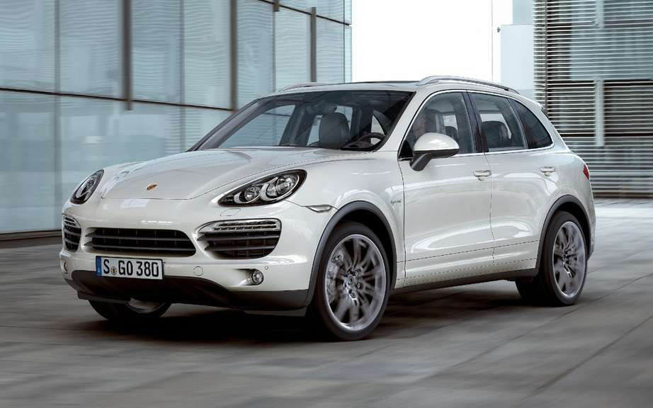 Porsche Cayenne Hybrid e-rechargeable battery picture #2