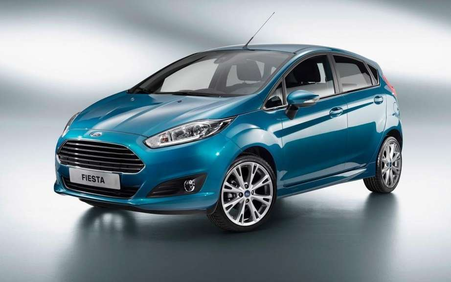 2014 Ford Fiesta driven by a 1.0-liter EcoBoost engine picture #2