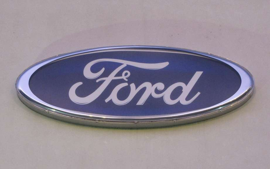 Ford eliminates 1,500 jobs and close its plant in Southampton, according to a union.