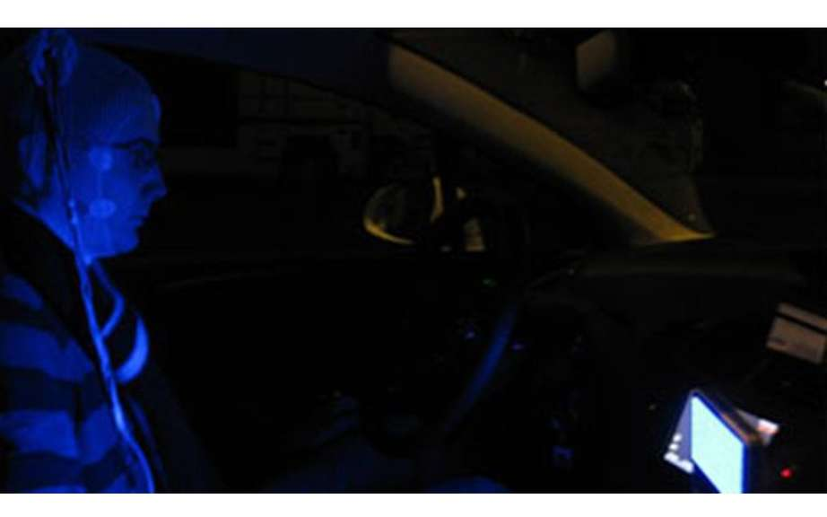 Blue light as a substitute for coffee not to fall asleep at the wheel