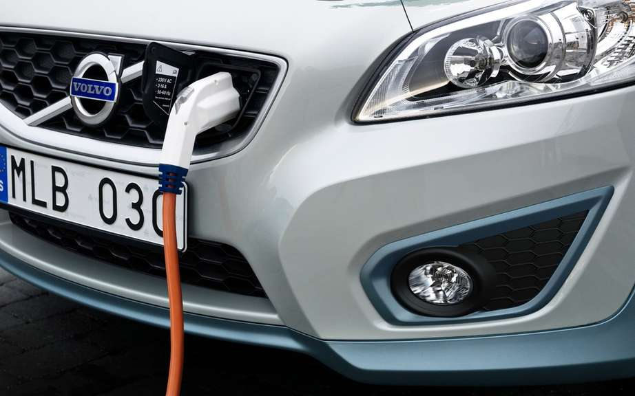 Volvo is working on an ultra fast charger picture #2