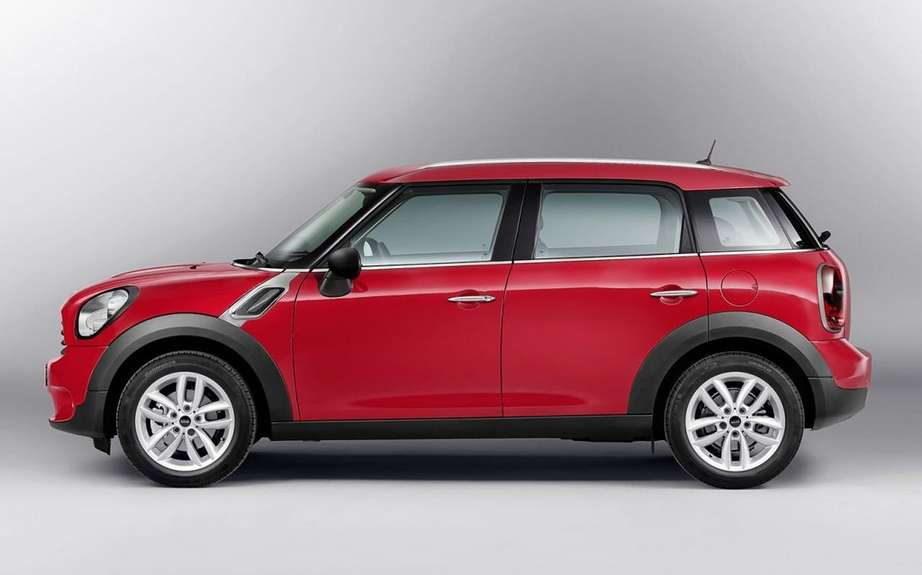 Mini Cooper 2014 with five-door version