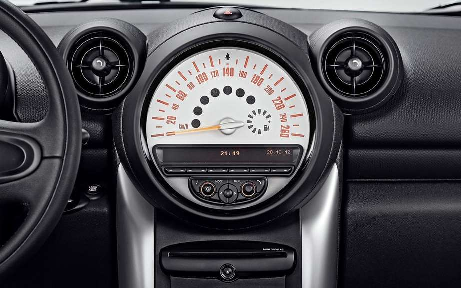 Mini Countryman 2013: 4 to 5 passengers picture #5