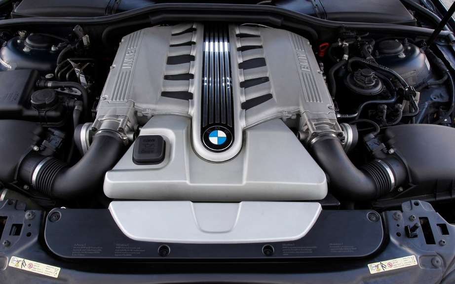 BMW USA commemorates 25 years of the V12 engine picture #8