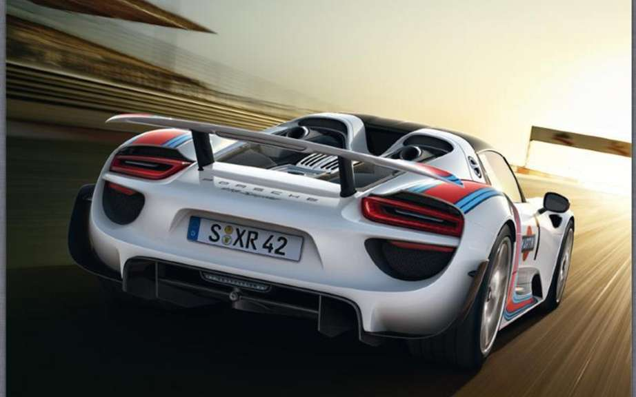 Porsche 918 Spyder: The brochure can be found on the Net picture #4