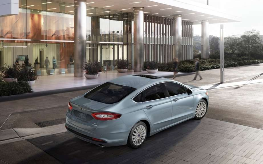 Ford Canada announces pricing for its 2013 Fusion models picture #4