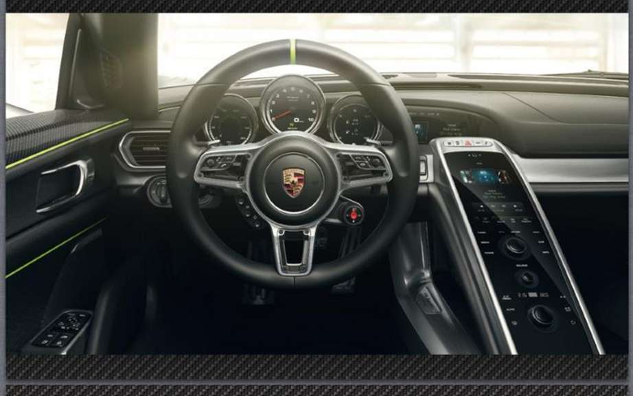 Porsche 918 Spyder: The brochure can be found on the Net picture #6