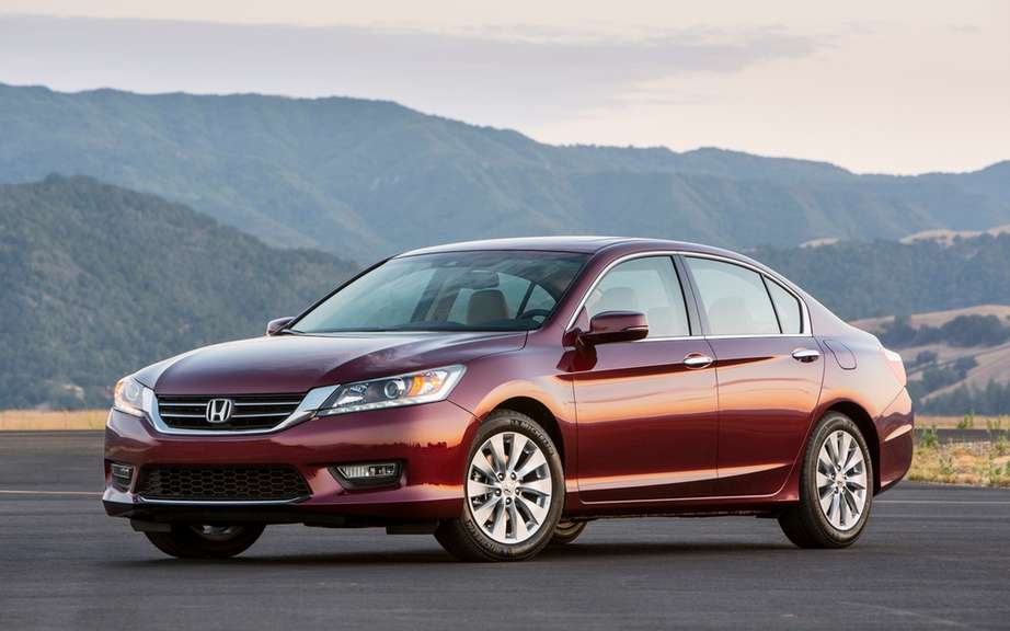 Honda Canada unveiled the price of its 2013 Accord models
