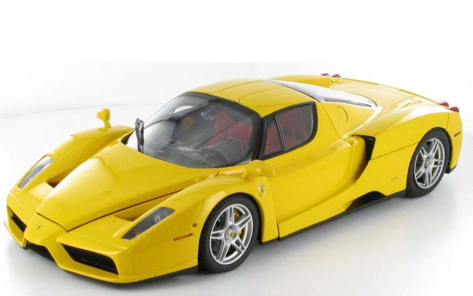 Ferrari F70: a Detroit or Geneva? picture #1