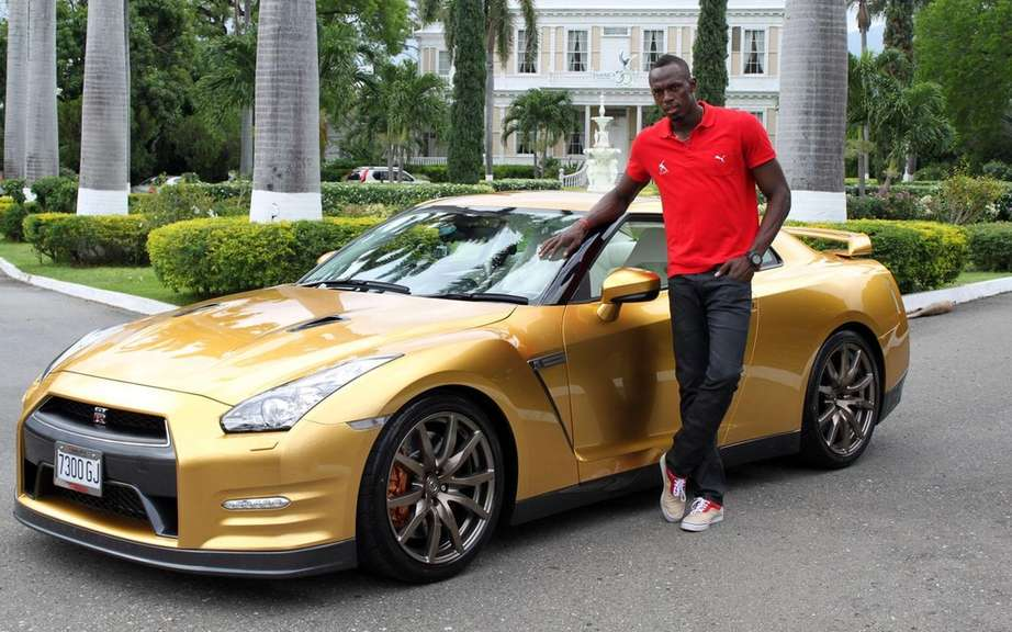 Nissan GT-R gold signed Usain Bolt