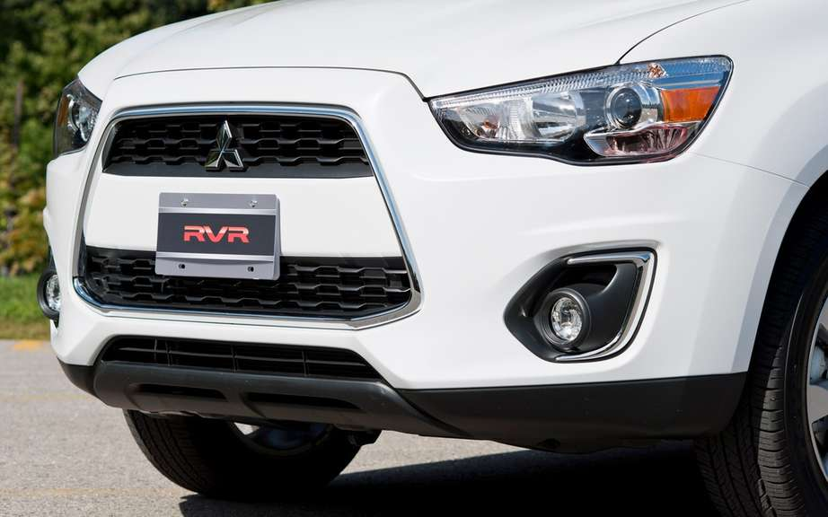 Mitsubishi RVR 2013: no price increase picture #3