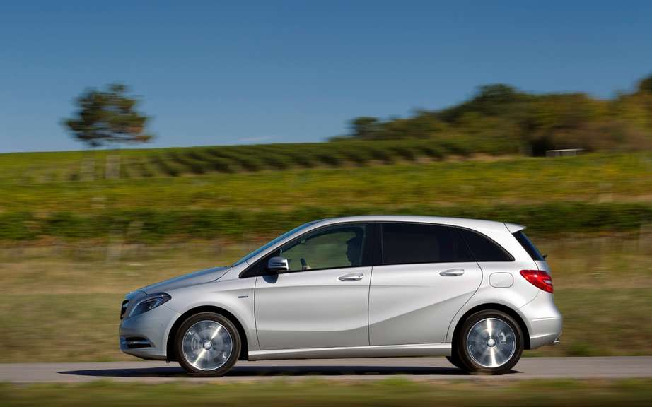Mercedes benz b class a 7 seater version in preparation for Mercedes benz seven seater