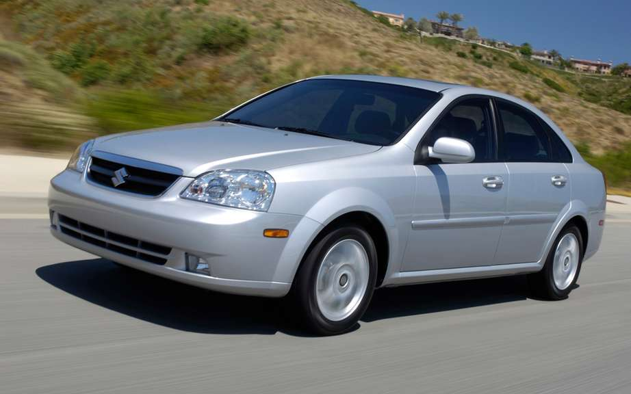 Suzuki recalls 10,000 cars in Canada picture #2