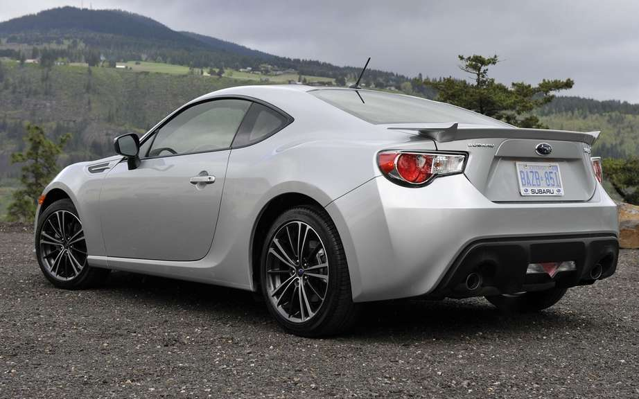 Subaru BRZ 2013: Award-Winning as the best choice by IIHS picture #2