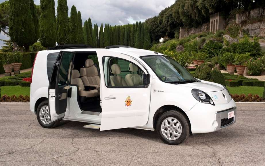 Renault delivers a 100% electric vehicle exclusive to Pope Benedict XVI picture #4
