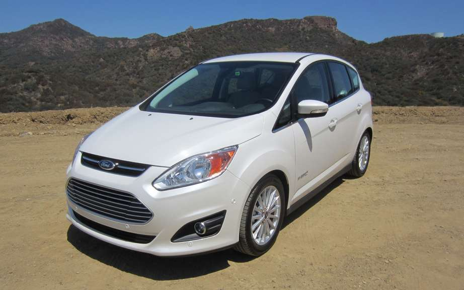 Ford C-MAX Hybrid 2013: it can travel 917 km with a full tank of gas picture #2