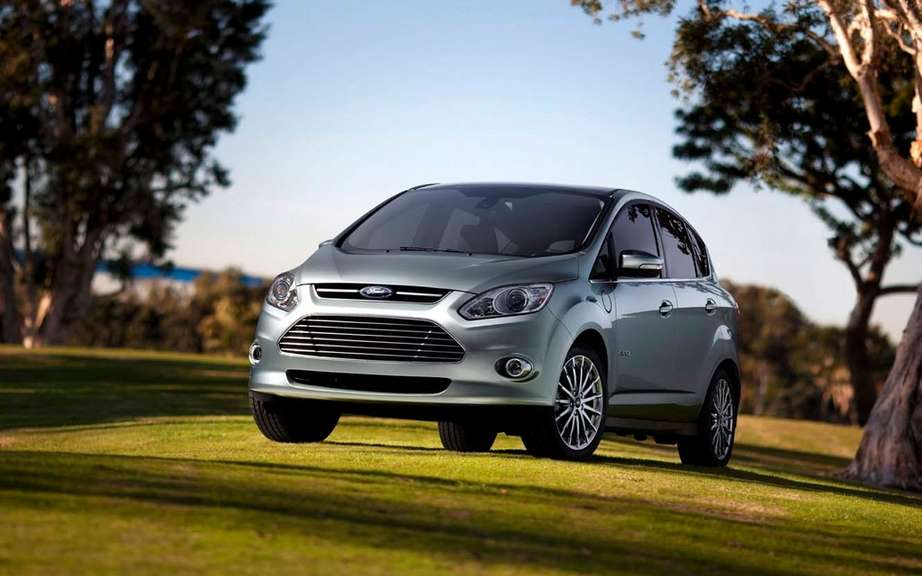 Ford C-MAX Hybrid 2013: it can travel 917 km with a full tank of gas picture #4