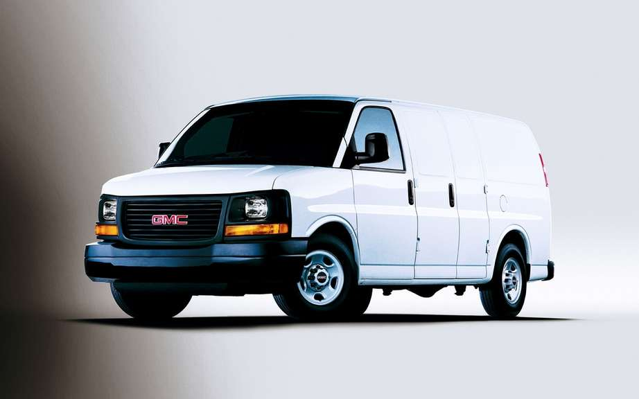 GM recalls 10,000 commercial vans picture #2