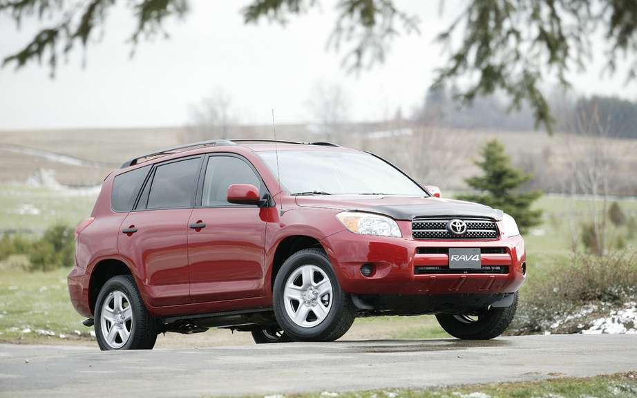 Toyota Recalls RAV4 and Lexus models its HS 250h