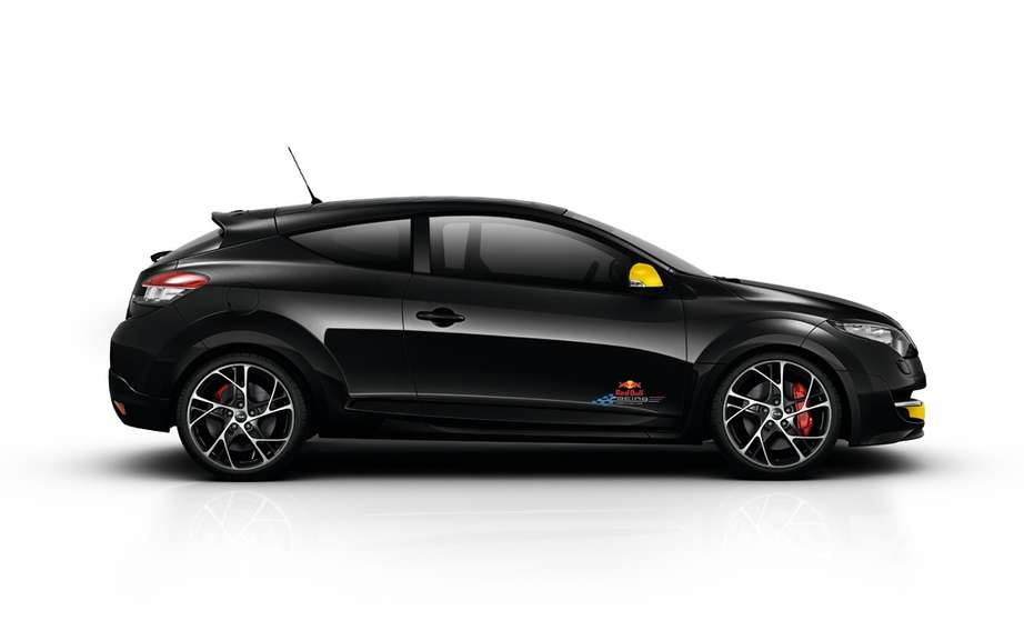 Renault Megane RS Bull Racing RB7: All genes of athletic performance picture #3