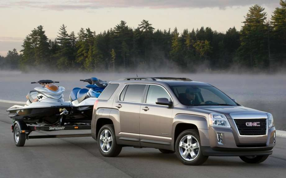 Top 10 reasons why the GMC Terrain is designed for summer getaways