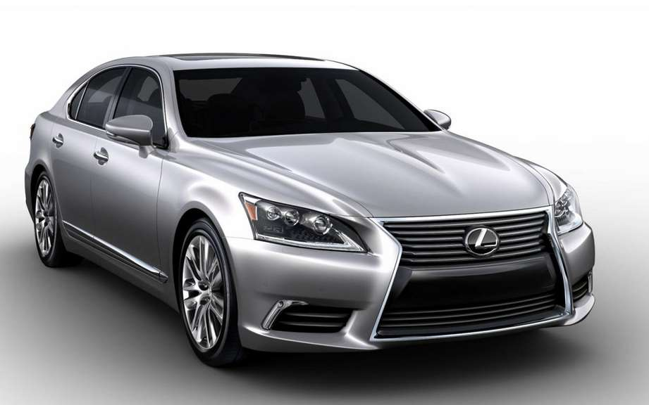 Lexus LS 2013: a more aggressive face picture #3