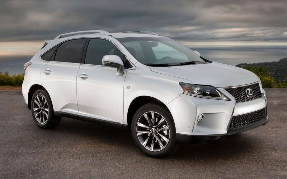Toyota will increase production of the Lexus RX its plant in Cambridge picture #1