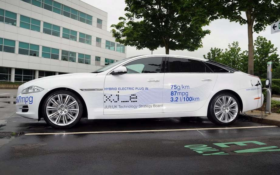 Jaguar XJ-e: first plug-in hybrid