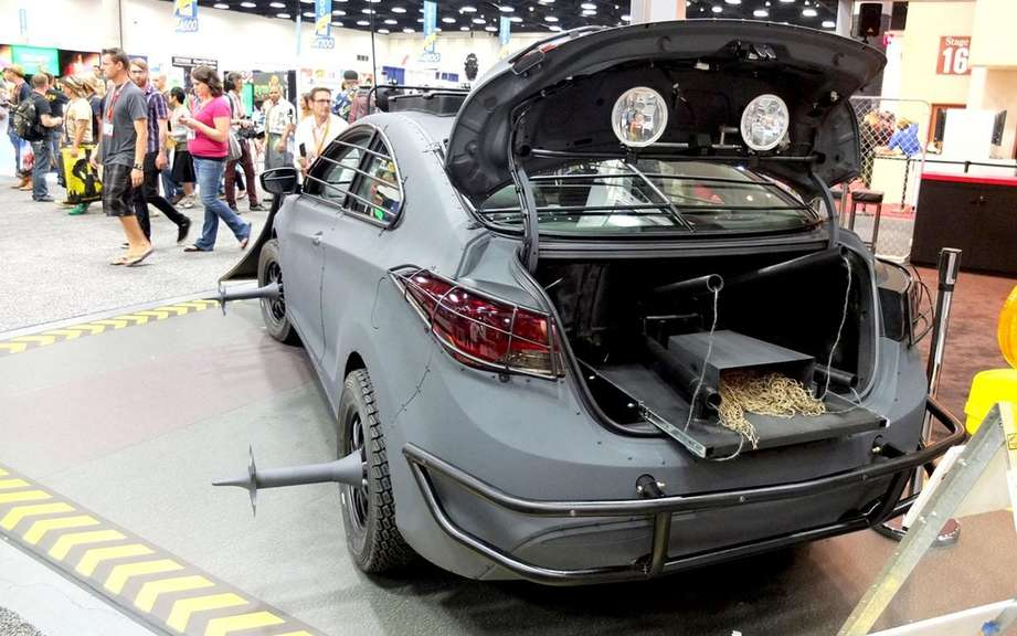 Hyundai unveiled its Elantra model Zombie Survival Machine Cup picture #6