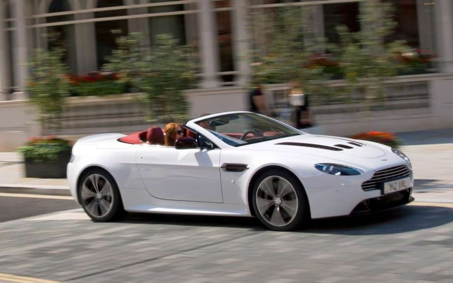 Aston Martin V12 Vantage Roadster: 101 for Preferred picture #1