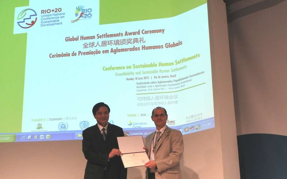 The Renault-Nissan Alliance rewarded Rio +20 by an NGO for its commitment to zero emission mobility