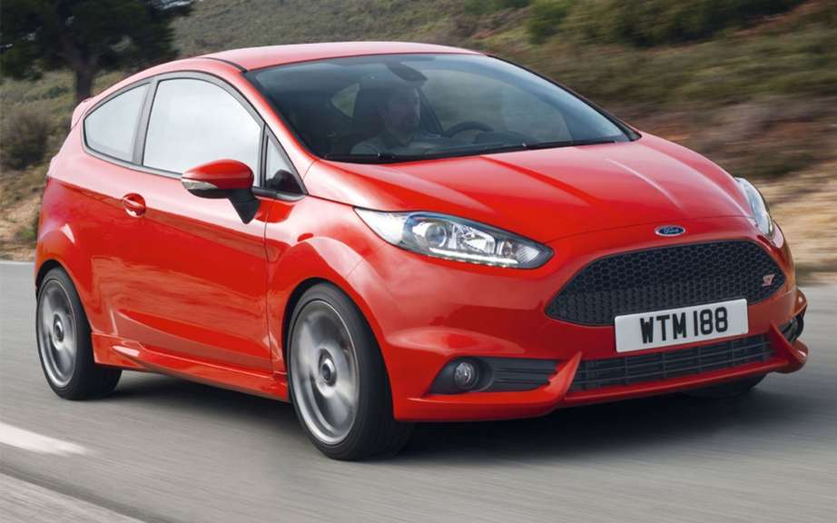 Ford Fiesta 2013: Aston Martin grille with