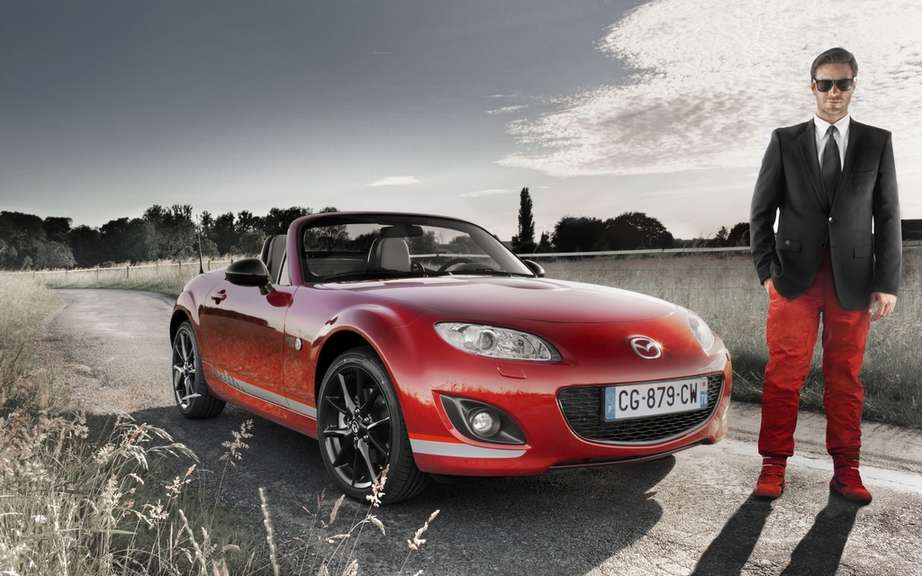 """Racing MX-5 by"" Mazda roadster cultivates his dual personality ""Chic & Sport"" in limited series. picture #3"