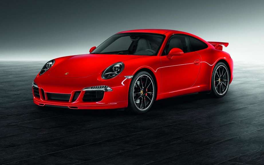 Porsche 911 Carrera S with Porsche Exclusive sets