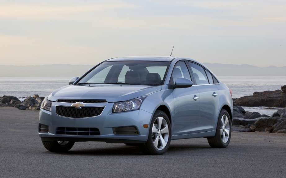 Chevrolet Cruze ECO and Sonic: ELECTED best family vehicles picture #1