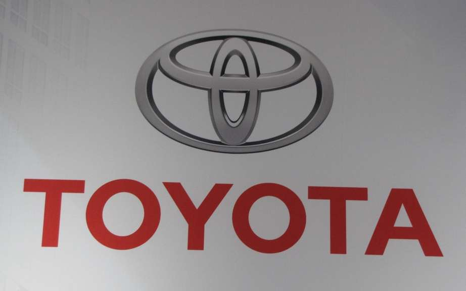 Toyota gets (temporarily?) Its position as world leader