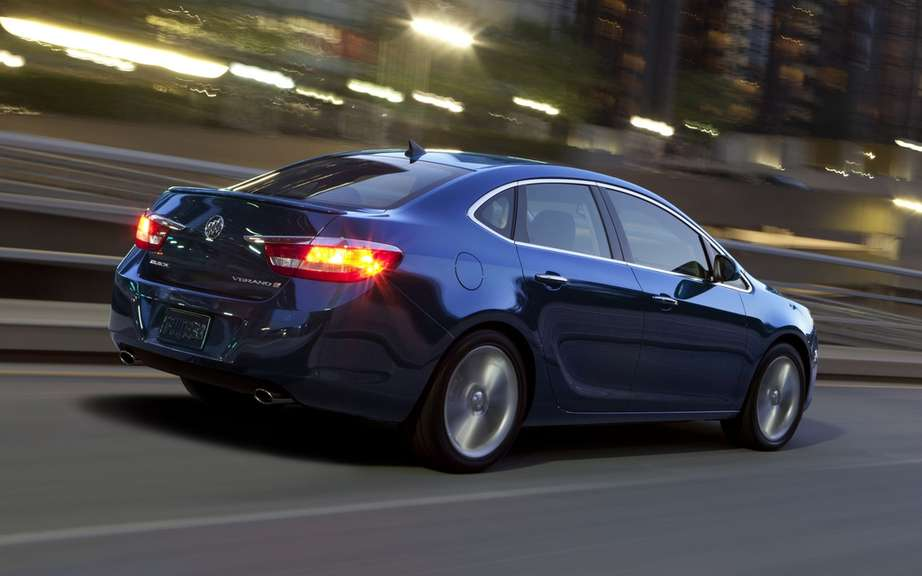 Buick Verano Turbo 2013: a luxury sport sedan 250 hp picture #2
