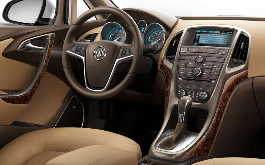 Buick Verano Turbo 2013: a luxury sport sedan 250 hp picture #3
