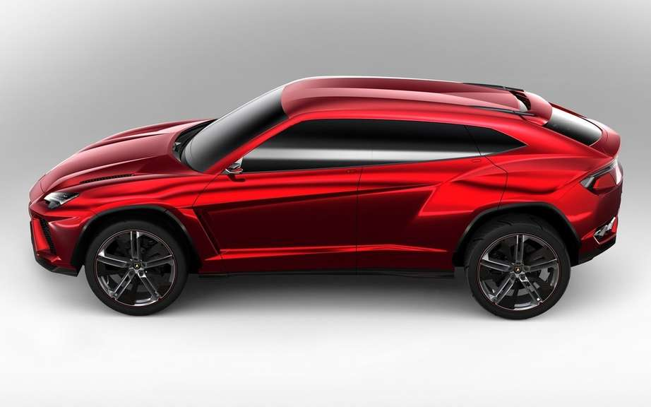 The Lamborghini Urus is built in Slovakia picture #7