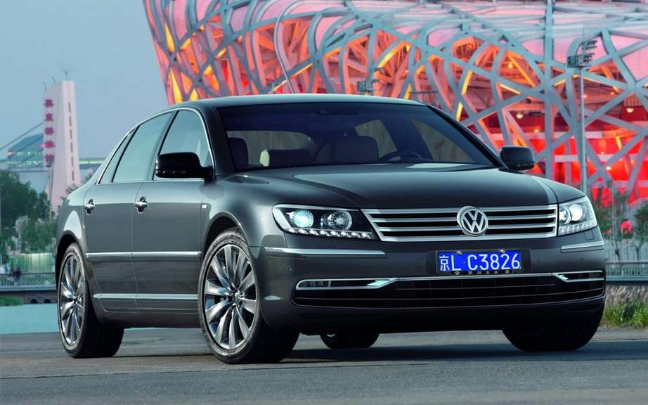 Volkswagen Phaeton: saved by China picture #2