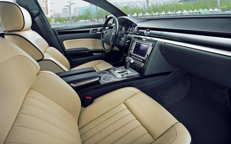Volkswagen Phaeton: saved by China picture #4