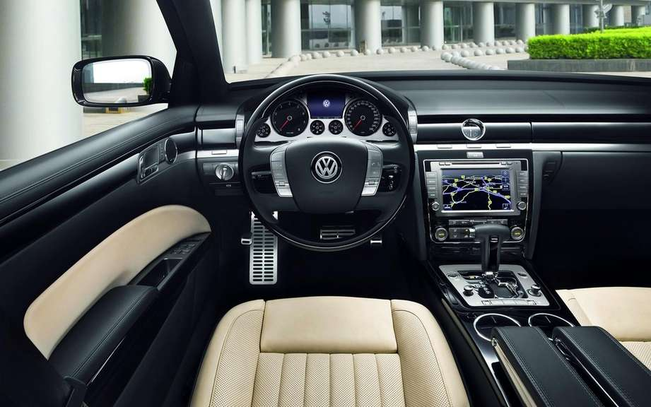 Volkswagen Phaeton: saved by China picture #5
