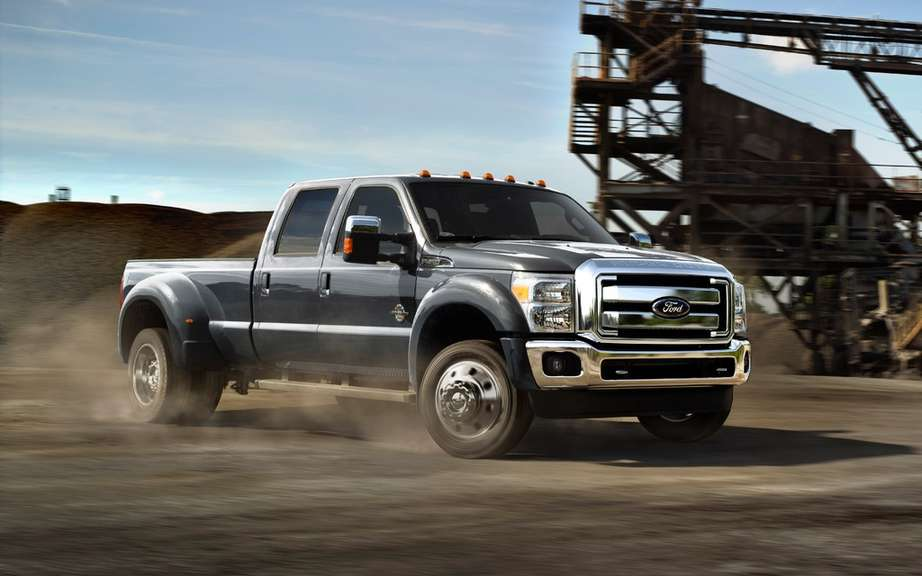 Ford F Series Super Duty Platinum 2013: more luxurious than ever