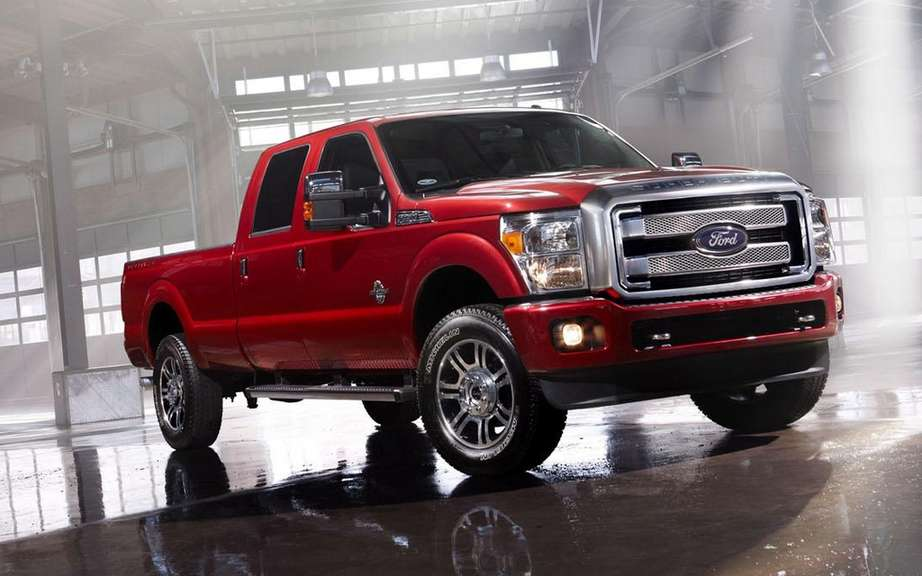 Ford F Series Super Duty Platinum 2013: more luxurious than ever picture #2