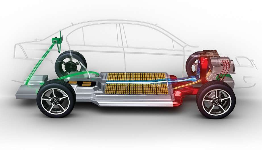 Coda Automotive produces its first electric car picture #3